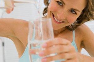 ¿Cuánta agua debo tomar al día para ganar peso?