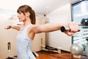 ¿Puedo perder grasa abdominal levantando pesas?