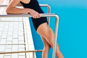 How to Avoid Bathing Suit Chafing on the Thighs