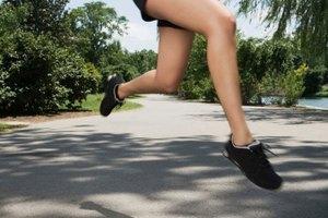 ¿Qué tan rápido puedes perder peso por caminar o correr 4 millas al día?