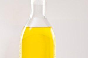 Aceite puro de oliva como una crema hidratante corporal