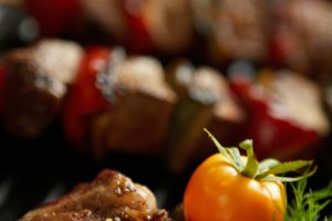 How to Broil Steak Kabobs