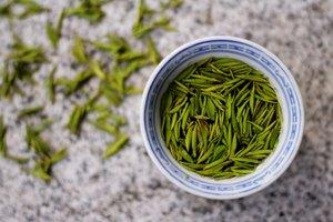 ¿Qué tipo de té es bueno para el dolor de garganta?