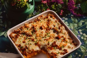 What Type of Cheese Should Be Used in Baked Spaghetti?