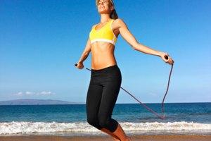 Saltar la soga puede ayudar a trabajar los abdominales?