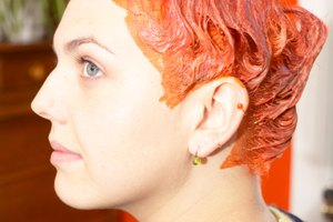 How to Make a Colored Hair Dye With Paint