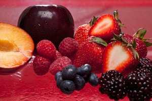 How to Ferment Fruit to Make Alcohol