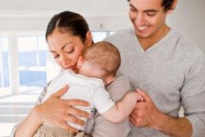 ¿Cuánto té de hinojo se le puede dar a un bebé con cólicos?