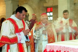 What Are the Ingredients in the Incense at Catholic Mass?