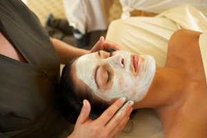 Spa Treatments to Get Rid of Blackheads