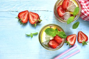How to Make Strawberry Long Island Iced Tea