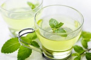 How to Brew Fresh Mint Tea