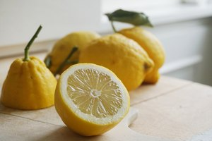 How to Store Lemons After They're Cut