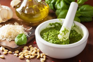 How to Get the Bitterness Out of Pesto