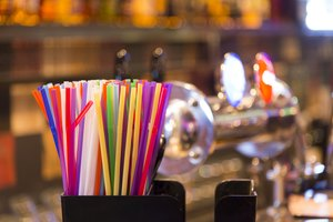 What Are the Dangers of Plastic Straws & Hot Drinks?