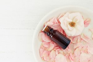 How to Make Designer Fragrances at Home With Essential Oils
