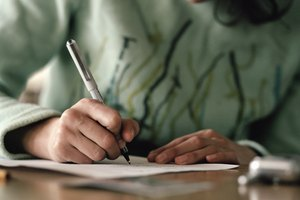 How to Write a Letter to a Court Judge Regarding Custody on Behalf of a Parent