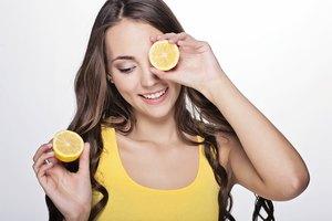 Cómo aplicar jugo de limón sobre el rostro y dejarlo toda la noche