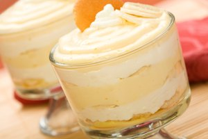 How to Keep Bananas From Turning Dark in Banana Pudding