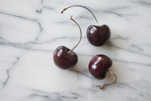 How to Use Black Cherry Juice for Gout