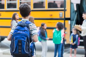 The Advantages & Disadvantages of Backpacks Inside a School