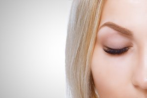 How to Lift Brows With Facial Exercises