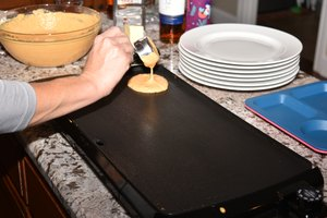 How to Cook Pancakes on an Electric Griddle