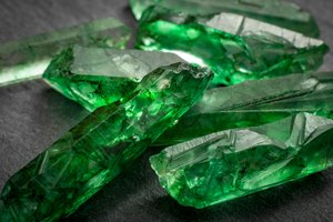 How to Cut Rough Emeralds