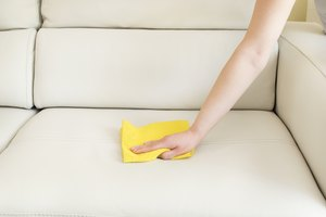 How to Remove Dye From a Leather Sofa