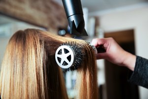 How to Straighten Hair with a Blow-dryer