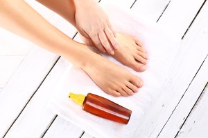 Do You Need to Put on Lotion When Indoor Tanning?