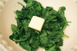 How to Steam Fresh Spinach