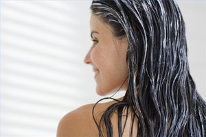How to Make Egg Yolk Hair Conditioner