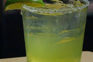 How to Make a Virgin Margarita