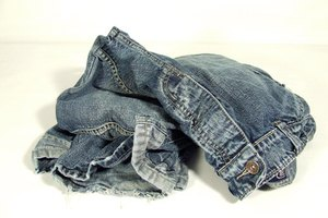 How to Remove Rhinestones From Jeans