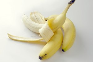 How to Keep Banana Peels From Turning Black