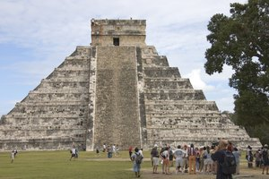Facts About the Mayan Pyramids