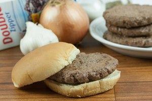 How to Freeze Hamburger Patties With Seasoning