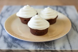 How to Make Cupcakes Without Cupcake Pan Liners