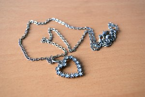 How to Remove Rust From Jewelry