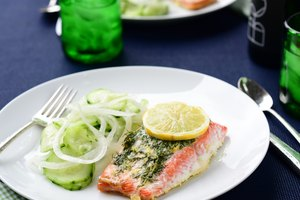 Dill Salmon with Cucumber Salad