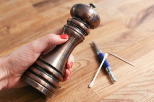 How to Fix a Pepper Grinder