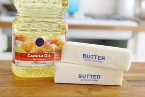 How to Substitute Canola Oil for Butter