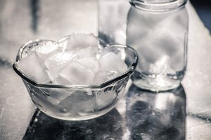 How to Stop Ice in Ice Trays From Sticking