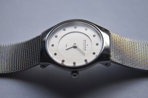 How to Replace a Skagen Watch Battery