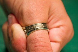 How to Measure Your Thumb for a Ring