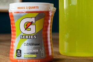 How to Mix Powdered Gatorade