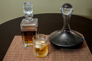 How to Use Liquor Decanters