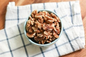 How to Refreshen Stale Nuts