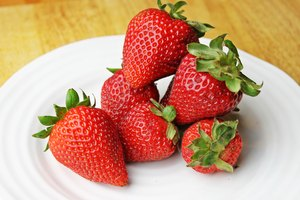 How to Defrost Frozen Strawberries